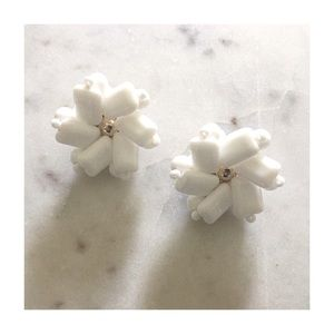 Vintage Beaded White Flower Clip On Earrings